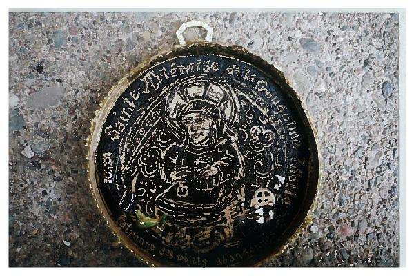 Sainte-Artémise de la Gougoune Molle, patronne des objets abandonnés